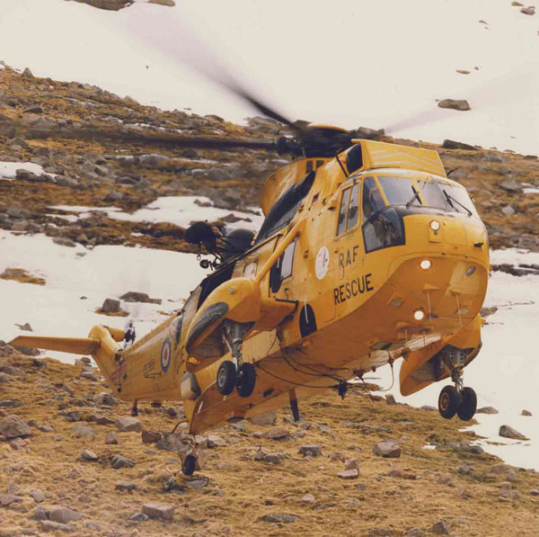 Westland Sea King HAR.3 (ZE368), starboard front view landing among patches of snow, circa 1996