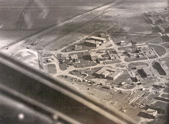 Letecký pohled na první základnu 311. cs. bombardovací perute Honington. Archiv Pavla Simeta.
