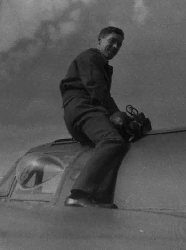Fg Off Philip Peters, circa 1943 (PC95/286/59)