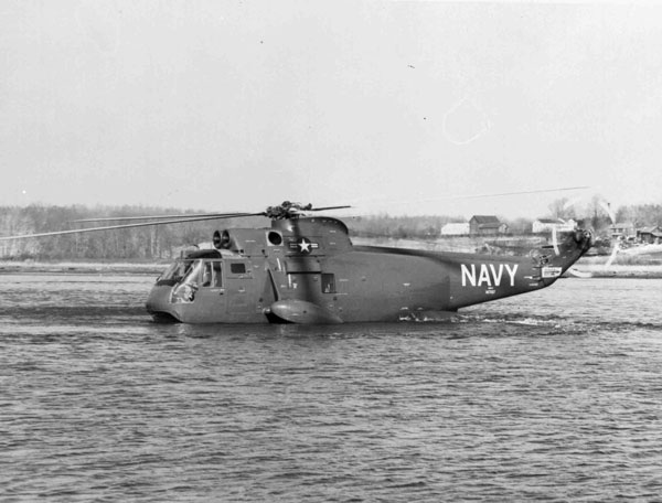Sikorsky SH-3A Sea King, USN, 147137, side view of, taxiing across water