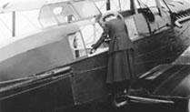 De Havilland photograph