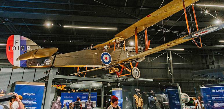 First World War aeroplane suspended in H1