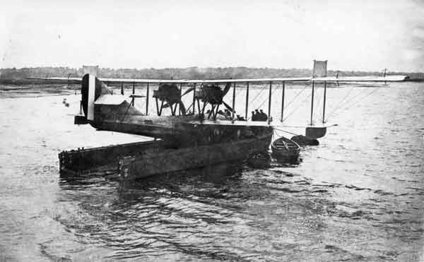 Curtiss H12 8681 on board a lighter during trials at Felixstowe in 1917.  The lighter's open transom is clearly visible in this photograph. (RAFM reference: X003-2602/6557)