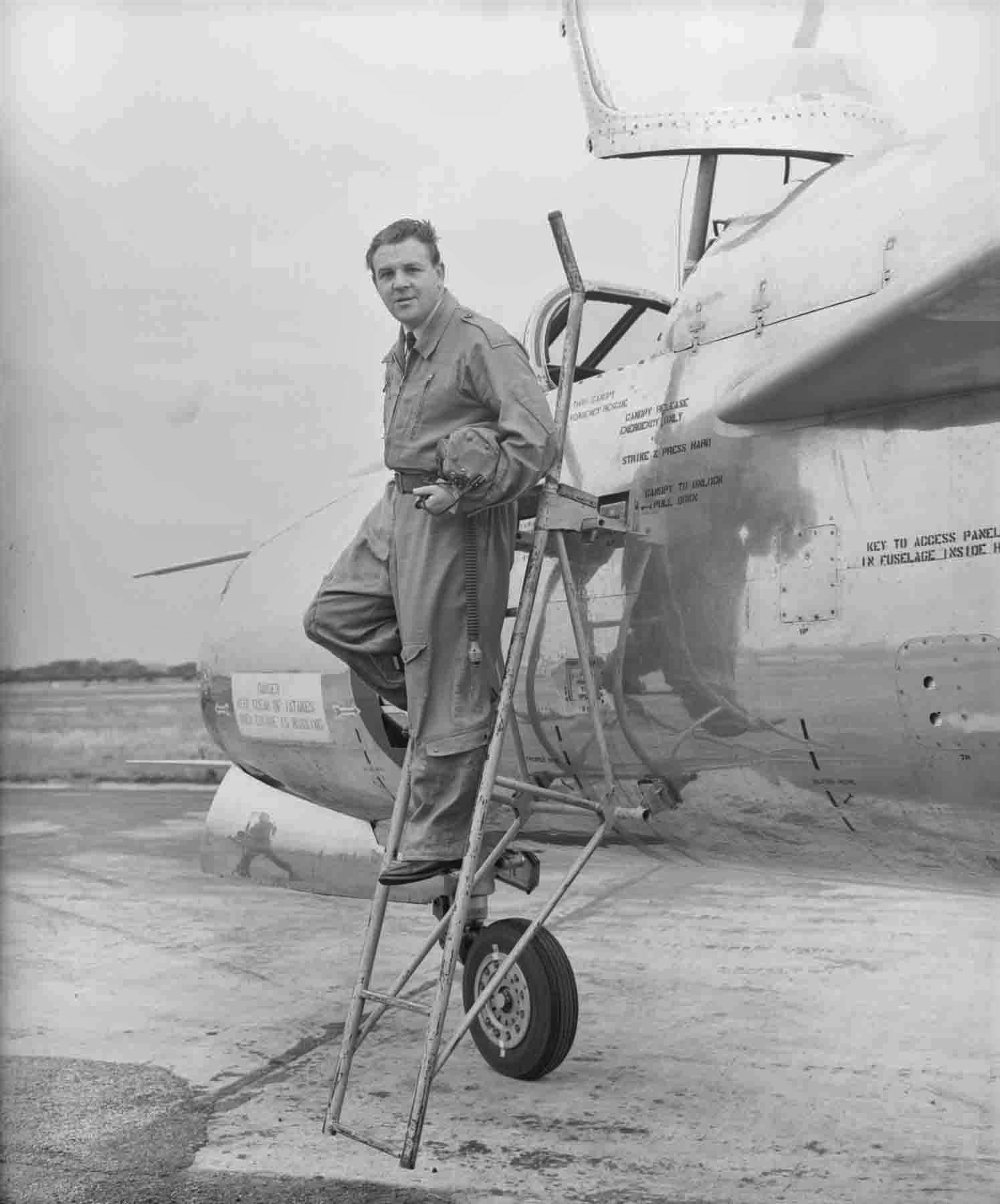 Roland Beamont on the steps of the EE P1A