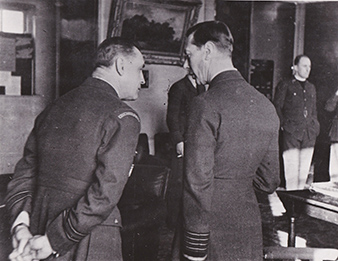 January 1941. His Majesty, King George VI on a visit to the 310 (Czechoslovak) Squadron. (On the left) S/Ldr Alexander HESS, DFC. Military History Archive.