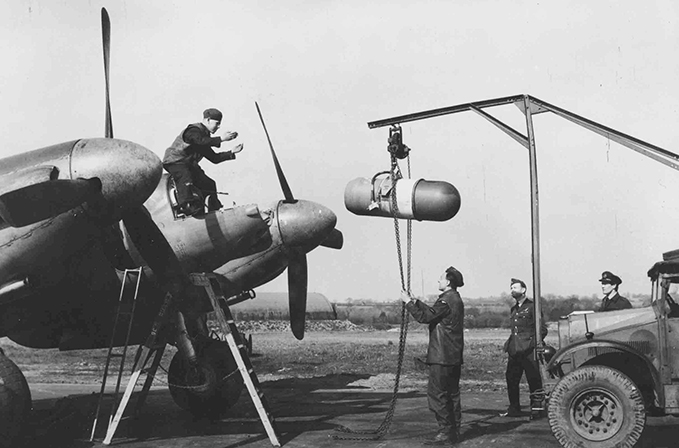 A Mosquito FB being loaded with a 3 cm radar module.