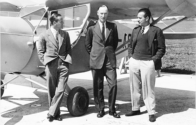 Sir Geoffrey de Havilland (in the middle) with associates. De Havilland developed the Mosquito as a private venture without the backing of the Air Ministry or the RAF. Eventually they adopted his vision of an unarmed high speed combat aircraft and 7,781 Mosquitoes were produced.