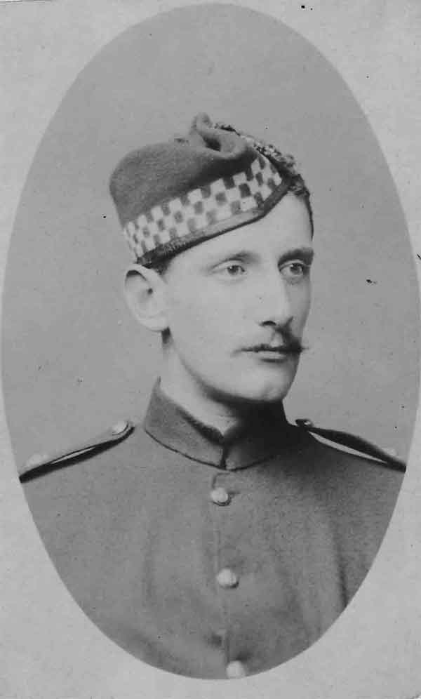 2nd Lt David Henderson of the 1st Battalion Argyll and Sutherland Highlanders (AC71/12/715)