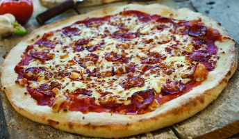 Prefer them spicy? Then tuck into our deliciously hot pepperoni pizza