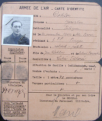 The ID card of the pilot Jaroslav DOKTOR. He was retrained in France for bomber aircraft , but did not participate in any combat. In the RAF, he was a pilot with 311 (Czechoslovak) Squadron. Archive of Jaroslava Rozumová.