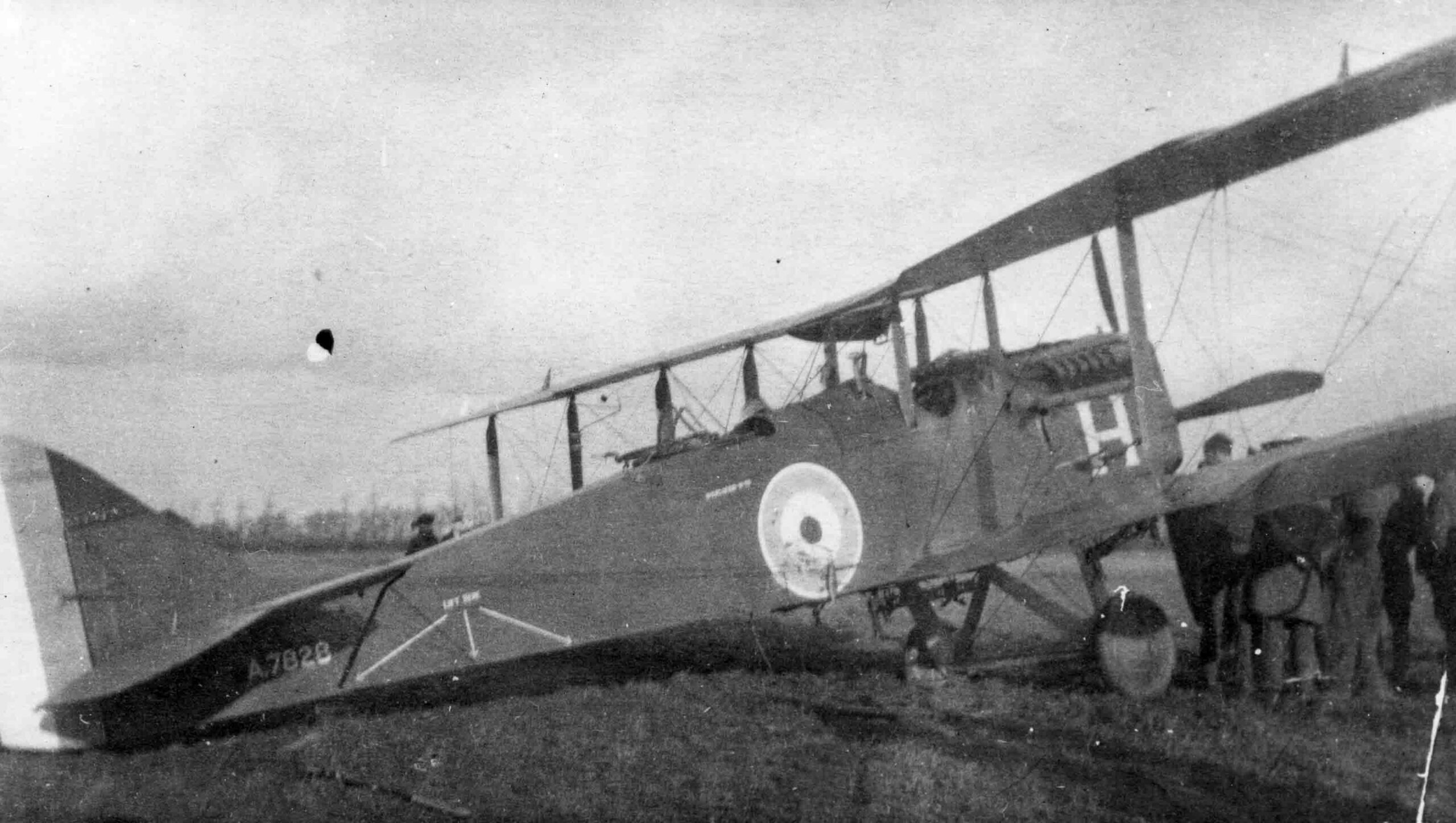 An Airco DH4 of No. 55 Squadron, as flown by Mackay and Gompertz