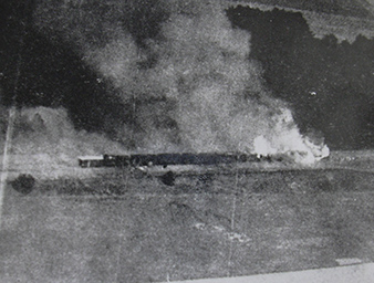 Záber na vlak po úspešném náletu.