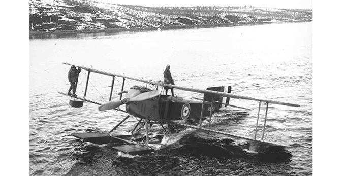 A Fairey IIIc taxiing on the water near Murmansk