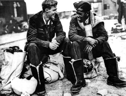 Air gunners Sergeant J.C. Dickinson RCAF and Sergeant Leslie Gilkes, 9 Squadron, 1943 (Courtesy of Audrey Dewjee)