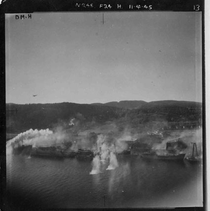 Anti-shipping strike by De Havilland Mosquitos of 248 Squadron, Norway, 11 April 1945 (X005-4895/003/027/009)