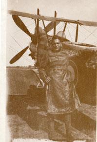 Sergeant William Robinson Clarke with his R.E.8, 1917