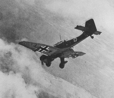 Junkers Ju 87B 'Stuka' dive bomber, circa 1939 (X003-2674/1063)