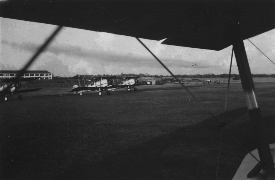 Vickers Vildebeest II, No. 100 Squadron, Singapore, May 1936