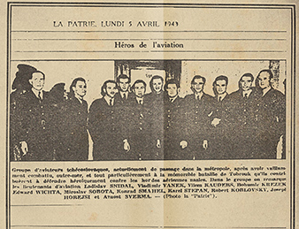 """Czechoslovak pilots on their way to Great Britain were often a subject of interest of journalists. The Gestapo was certainly pleased about it, since it was thus able to identify names of other escapees. The article says: """"Aviation heroes."""