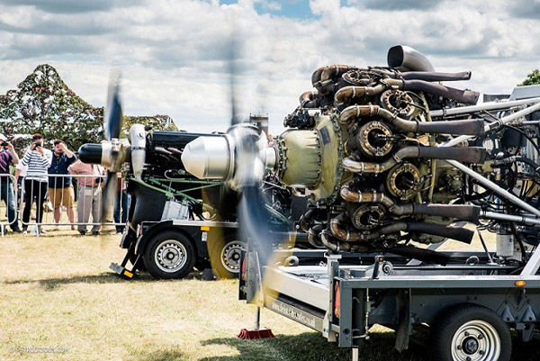 Listen to the power roar of a Rolls-Royce Merlin MK 500 and Bristol Hercules MK 216 engine