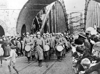 German infantry march on the Hohenzollern Bridge in Cologne