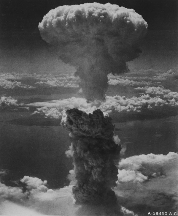 Mushroom cloud over Nagasaki which was witnessed by poW James McCewan, Library of Congress Nagasaki-ds-05400-05458u