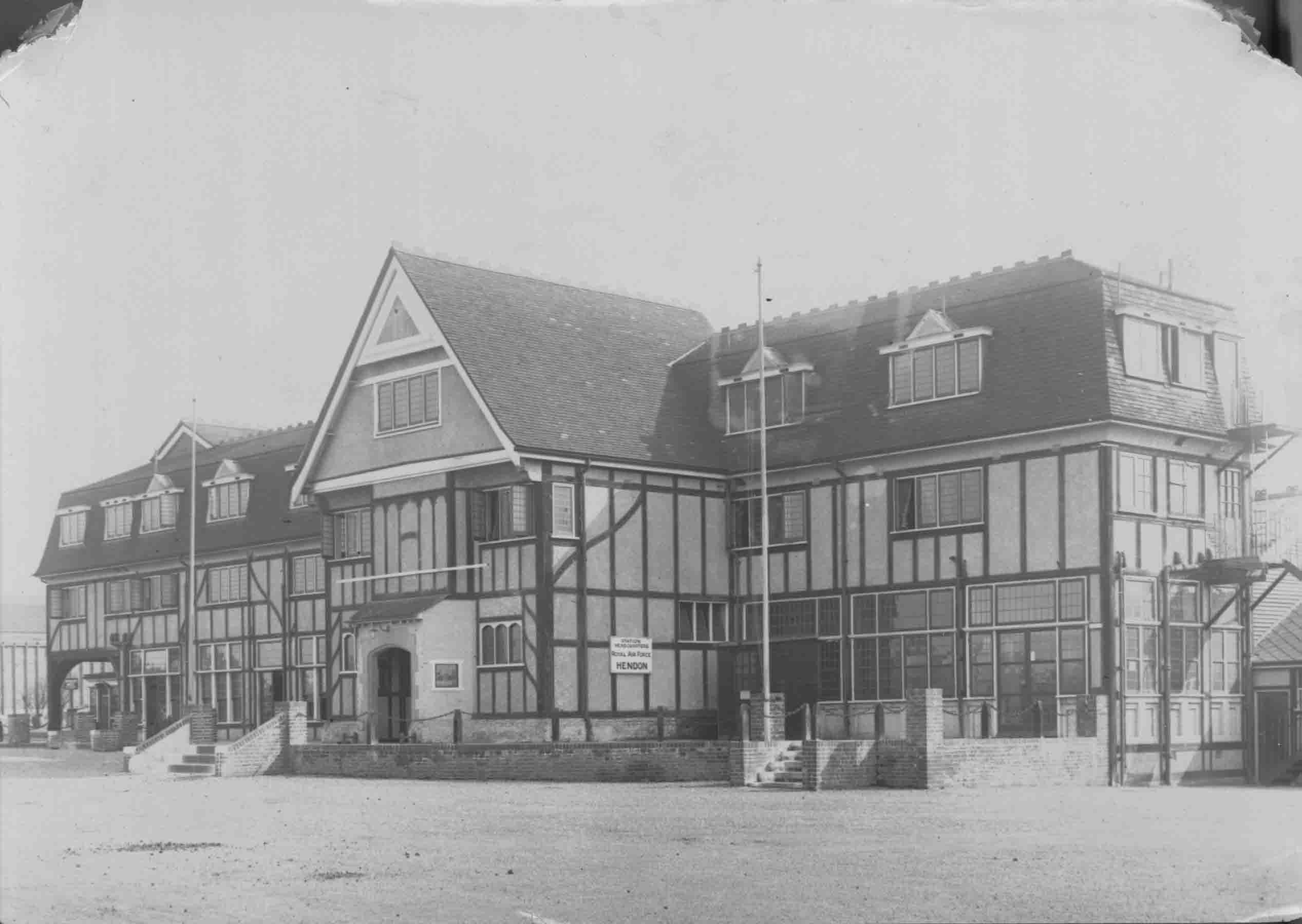 The former Officer's Mess building, now Platt Hall of Middlesex University