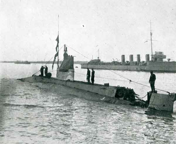 This submarine suffered extensive damage to its hull when it hit a mine while submerged.  Many U-Boats were sunk by mines in the Dover Barrage.