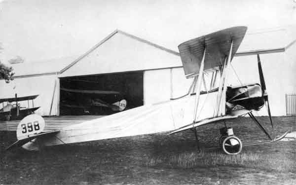Avro 504, serial 398, photographed on 29 July 1914.