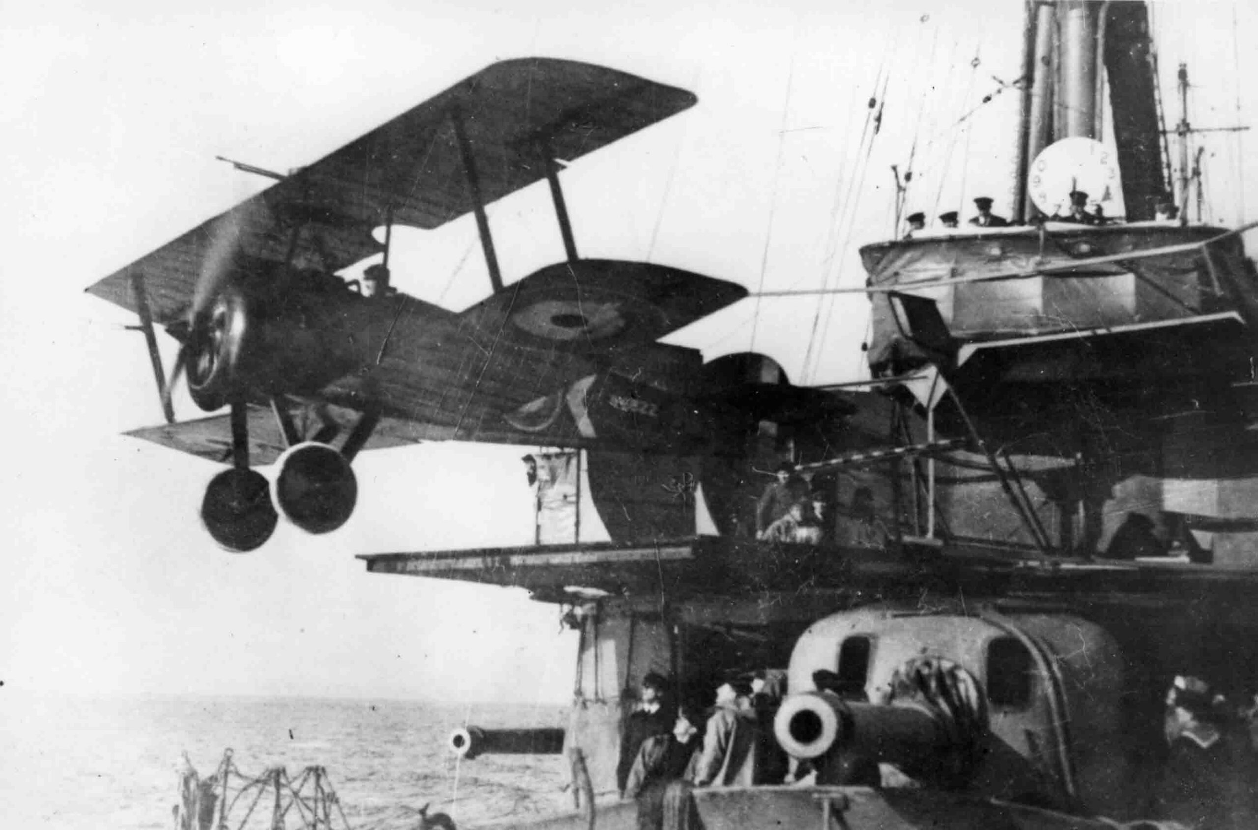 X003-2602/15828: Sopwith 2F.1 Camel, serial N6822.  This aircraft was photographed taking off from a gun turret platform aboard HMAS Sydney, probably during 1918.