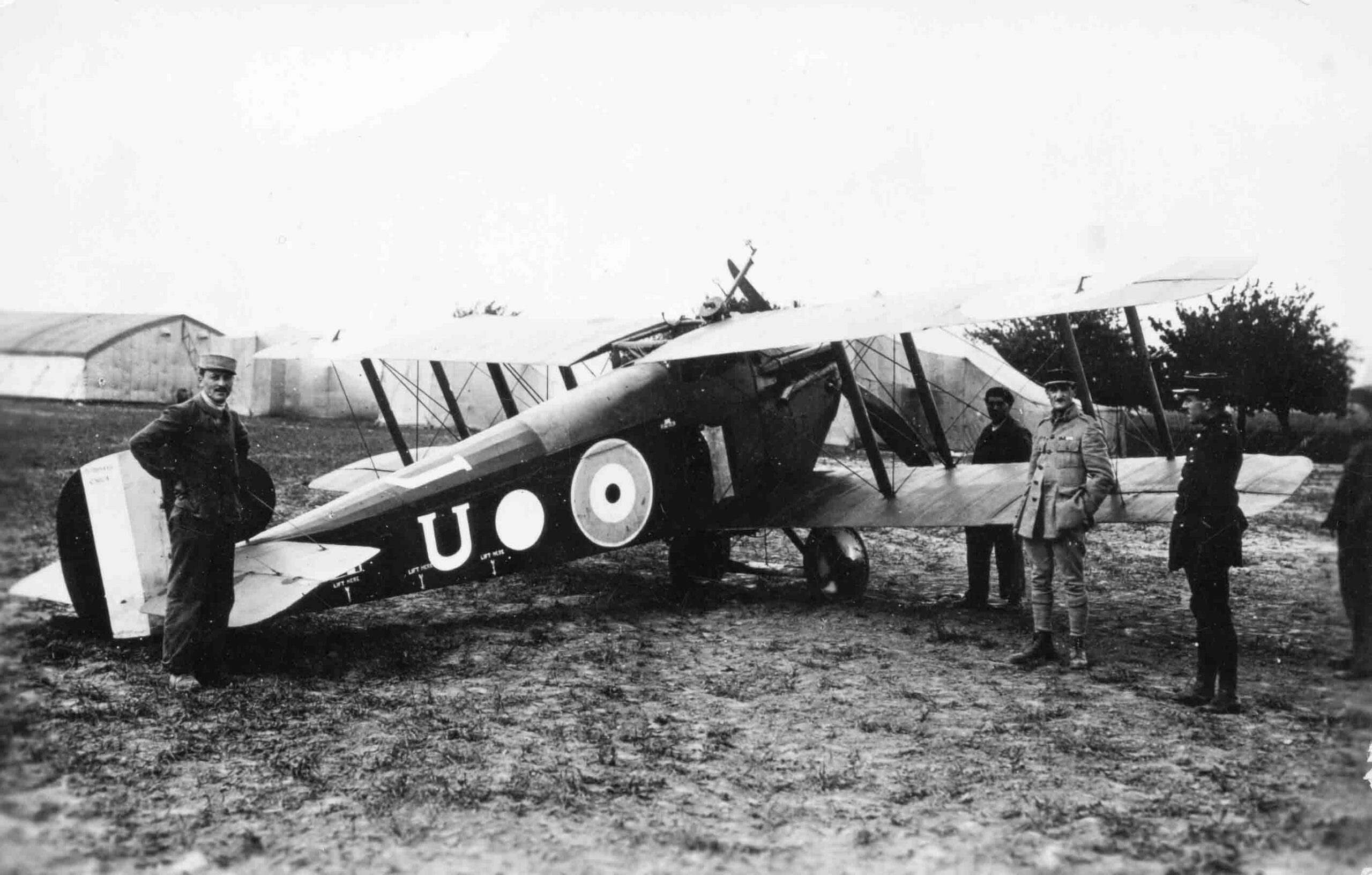 X003-2602/16034: Sopwith 5F.1 Dolphin, serial C3824, (U), with French officers gathered around, C Flight, 23 Squadron, RAF, France, 1918.  A single supplementary Lewis gun was fitted and the squadron marking of a white disc was applied to the fuselage.