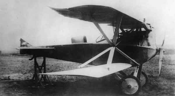 X003-2602/18691: Brandenburg D.I, first prototype, photographed at Briest in 1916.