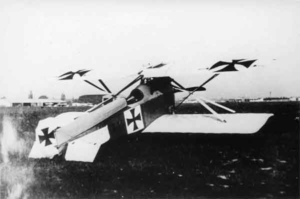X003-2602/18692: Brandenburg D.I, serial 60.55, second prototype, photographed at Briest in 1916