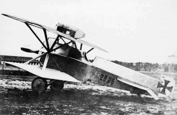 X003-2602/18693: Brandenburg D.I, serial 28.26. This aircraft served with Flik 16D and was probably at Seebach when photographed in 1917 or early 1918. It was a Phönix-built, early-production aircraft, fitted with the 185hp Daimler engine.