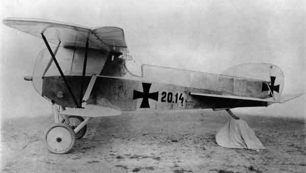 X003-2602/18802: Phönix D.I, serial 20.14. This aircraft, the first prototype, was modified from aircraft serial 28.48 in 1917 and fitted with a longer fuselage, a new tail and wash-out to the ailerons.