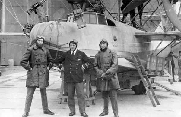 Crew of A Curtiss H.12 Large America, 1917-1918 (RAFM photograph X003-2602/6565)