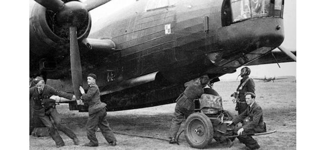 Ground crew of 300 (Polish) Squadron with Vickers Wellington bomber, circa 1941