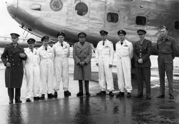 Flt Lt Morris (4th from right) and crew pose with Lord Alanbrooke during their world tour in 1945