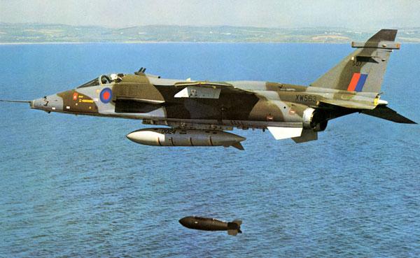 Prototype Jaguar XW563 dropping a 1000lbs bomb, circa 1974 (C0019)