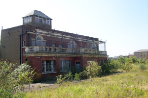 Neglected and forlorn, the Claude Grahame-White watchtower and offices before their move.