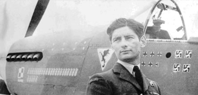 Squadron Leader Eugeniusz Horbaczewski, Commander of 315 Squadron, with his North American Mustang Mk. III. Squadron Leader Horbaczewski was credited with destroying 16.5 enemy aircraft before being killed in action on 18th August 1944.