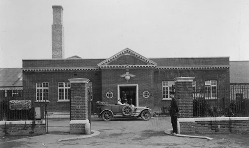 The road entrance in 1915