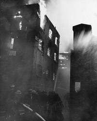 On 7 September the Luftwaffe began its concentrated bombing of London. Firemen struggled to bring the fires under control.
