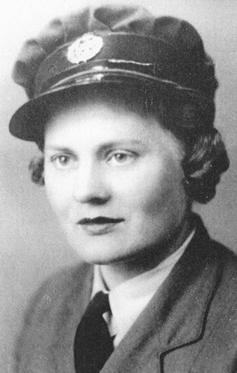 Pavla Šamšulová, née Ederová (1914-2000).