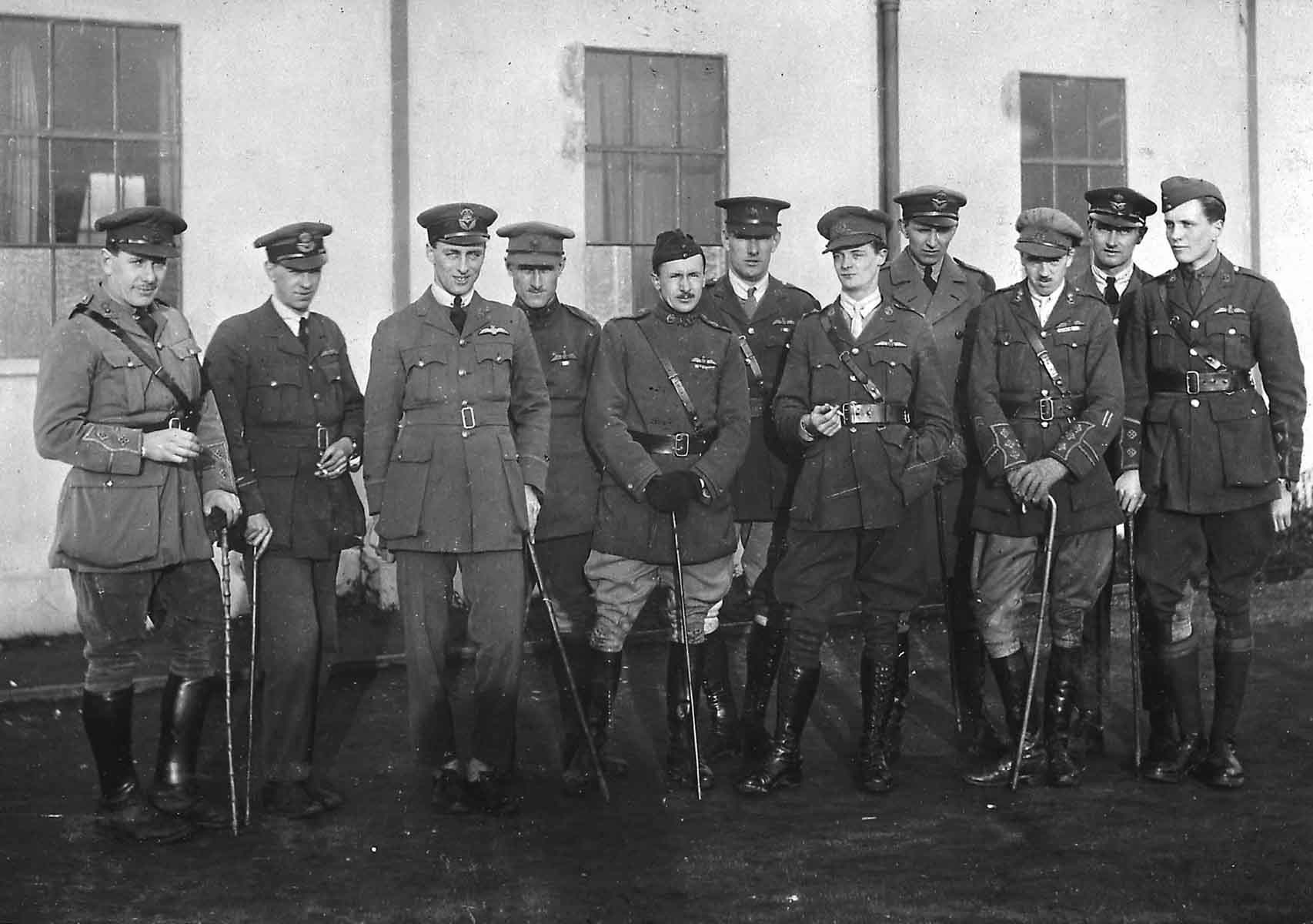 A group of unidentified RAF Officers 1918