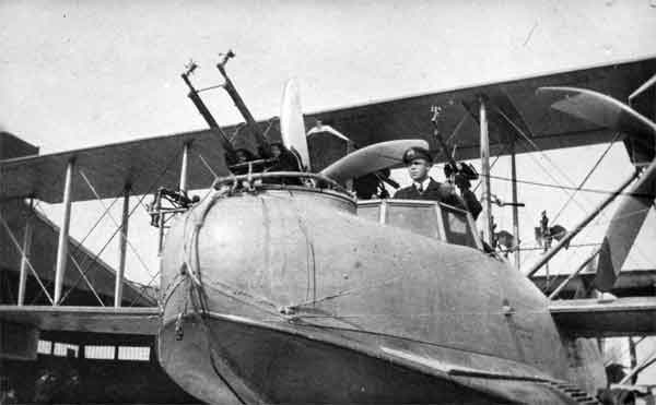 Close up of a Curtiss H.12 showing the twin Lewis guns in the forward gun position and two single Lewis guns in the cockpit and dorsal positions (RAFM photograph X003-2602/6581)