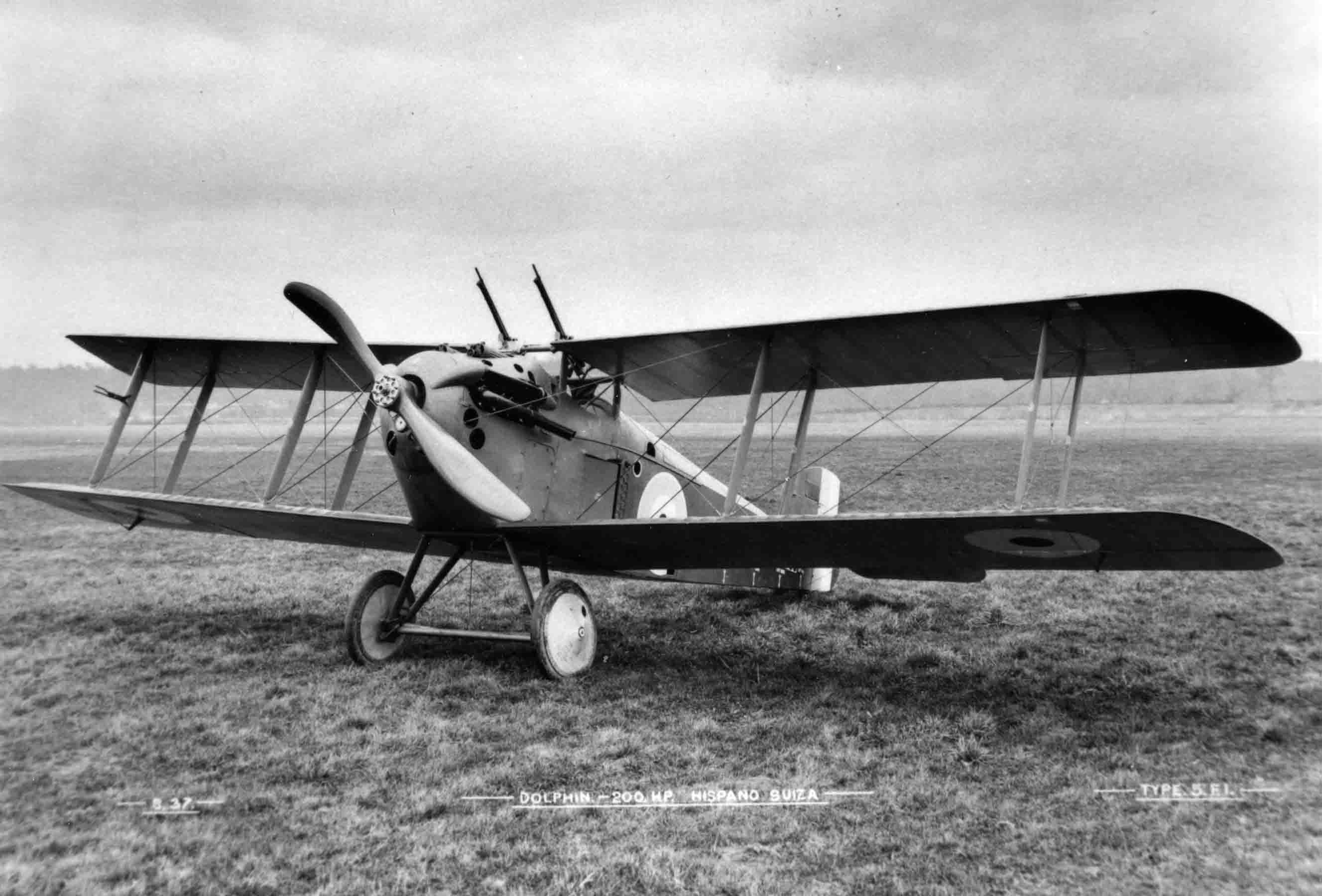 X003-2602/16006: A Sopwith Dolphin fitted with two Lewis guns, at Brooklands, probably during 1917.