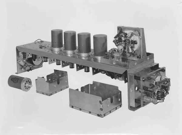 AI Mk.I receiver chassis with EF 50 valves, 3 November 1939 (PC98/131/9)