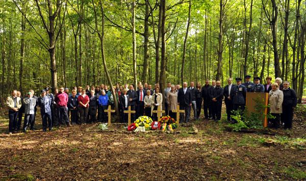 Memorial Ceremony for Halifax LV881 ZA V RAF 10 Squadron, September 2015.