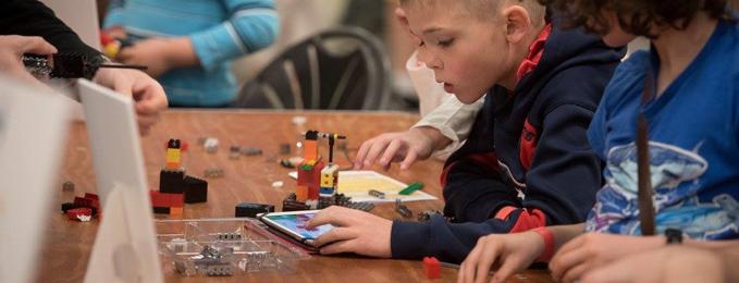 Brixo Brick Tablet Academy